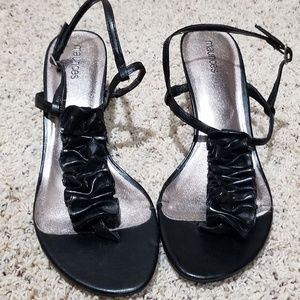 NWOT Black Maurices Short Heel With Ruffle
